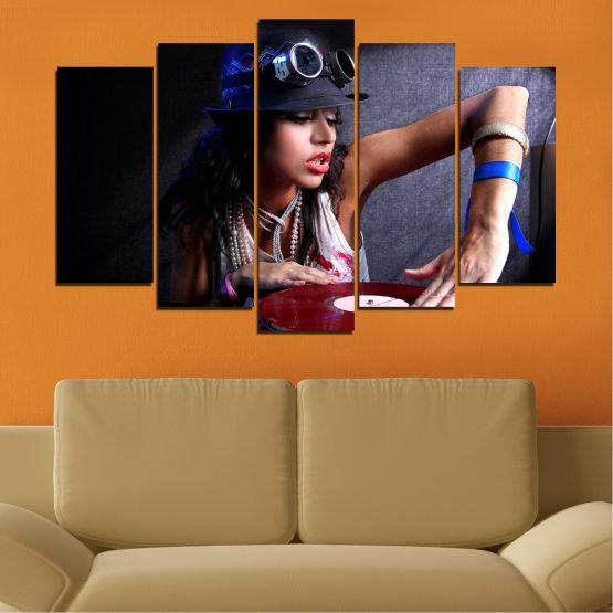 Декоративни панели и картини от канава - от 5 части №0400 » Лилав, Кафяв, Черен, Сив, Тъмно сив » Жена, Мода, Музика, Ди джей Form #1