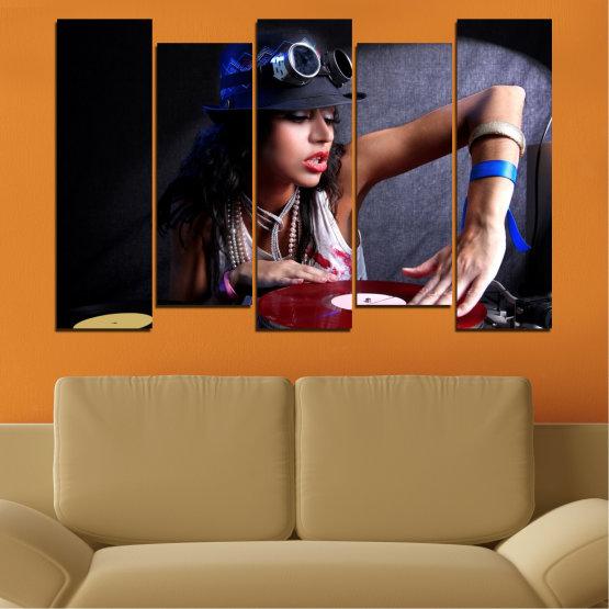 Декоративни панели и картини от канава - от 5 части №0400 » Лилав, Кафяв, Черен, Сив, Тъмно сив » Жена, Мода, Музика, Ди джей Form #3