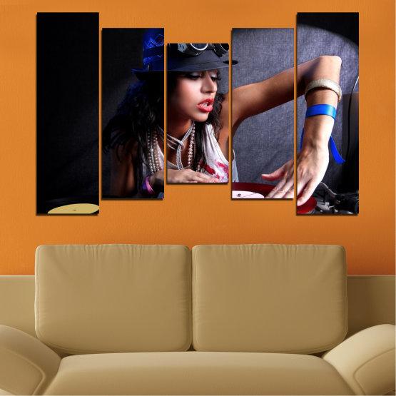 Декоративни панели и картини от канава - от 5 части №0400 » Лилав, Кафяв, Черен, Сив, Тъмно сив » Жена, Мода, Музика, Ди джей Form #4